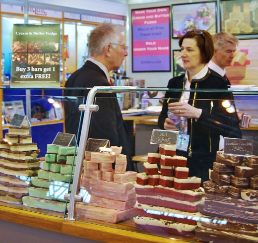 Calico Cottage Fudge Display